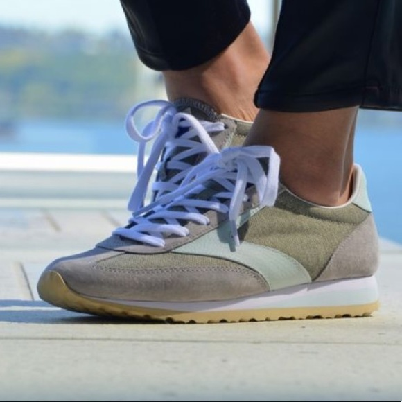 80b39ea1fe671 🔥Sale Brooks Vanguard Retro Inspired Sneakers